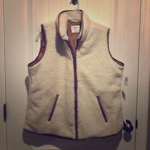 Old Navy Women's Sherpa vest